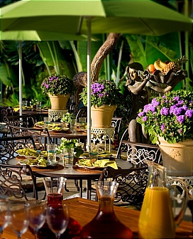 Étterem a Balaton partján