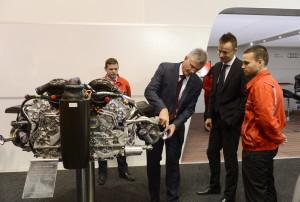 Megnyílt az Automotive Hungary Nemzetközi Jármûipari Beszál