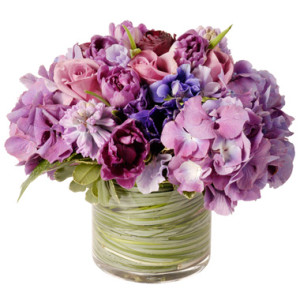 Csokor lila és rózsaszín virágokból
