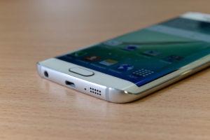 Samsung okostelefon