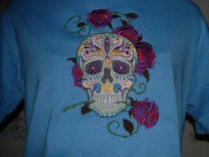 hímzett női póló